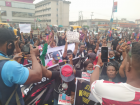 #EndSARS: Angry protesters stone, chase Ijaw Youths President with sachet water in Bayelsa